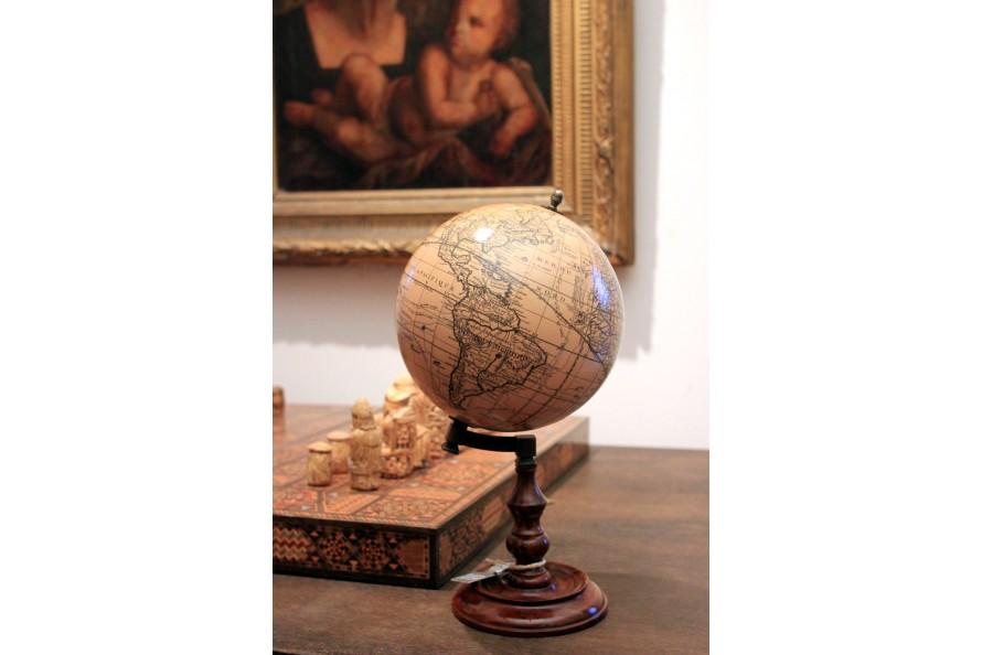 Globe terrestre Trianon 1710